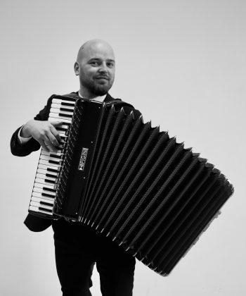 Mitja Jeršič – harmonikaš, klaviaturist, vokalist