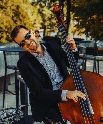 Igor Oražem, vokalist in multiinštrumentalist